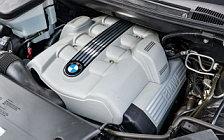Обои автомобили BMW X5 4.8is US-spec - 2004