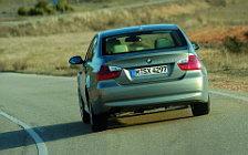 BMW 3-Series - 2005
